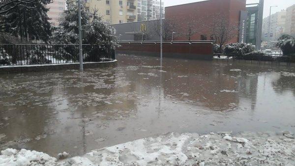 Jelenlegi állapot, 3. kerület, Szőlő utca – Föld utca – Törzs utca környékén csőtörés miatt