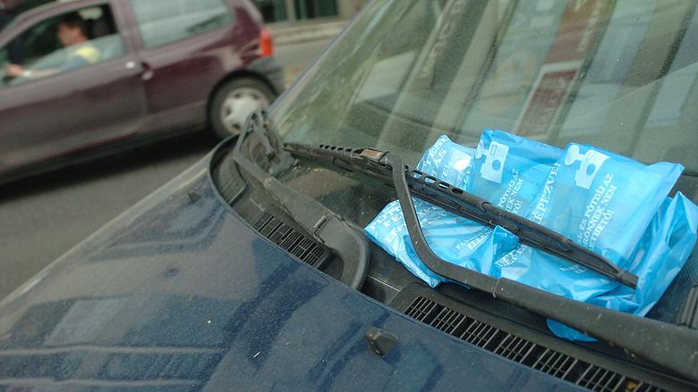 Olcsóbb lehet a parkolás – újítás jön Magyarországon