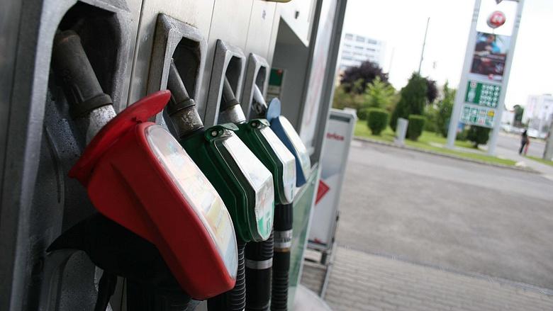 Vasárnap jön változás a benzinkutaknál, az autósok örülni fognak