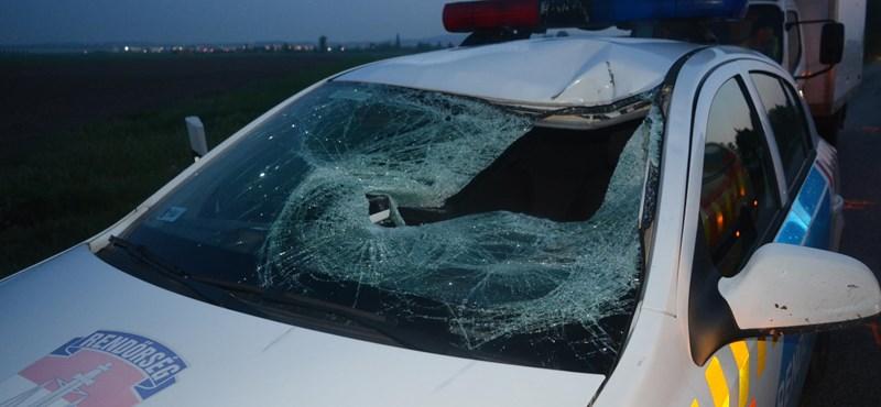 Ez a rendőrautó gázolt halálra egy embert – fotók