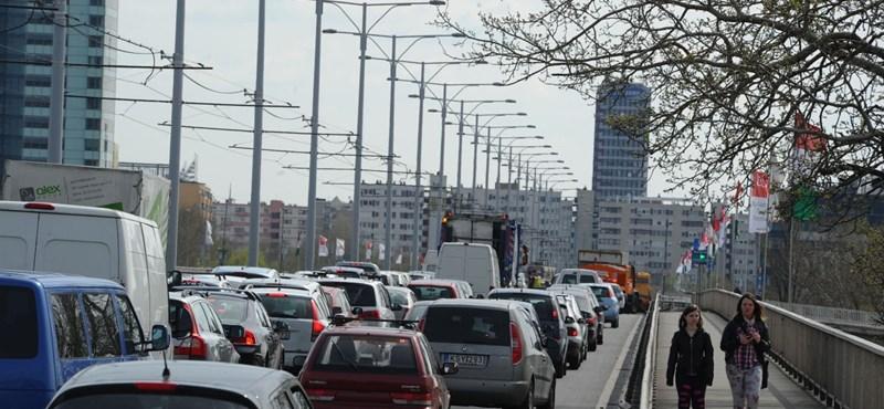 Szerdától pokoli idők jönnek az Árpád híd pesti hídfőjénél