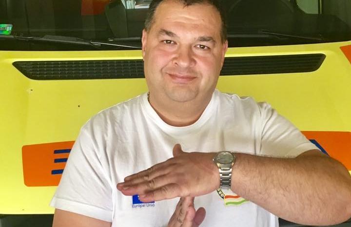 Úgysem találod ki, mit tett a mentősofőr aki előtt lefulladt egy tanulóvezető