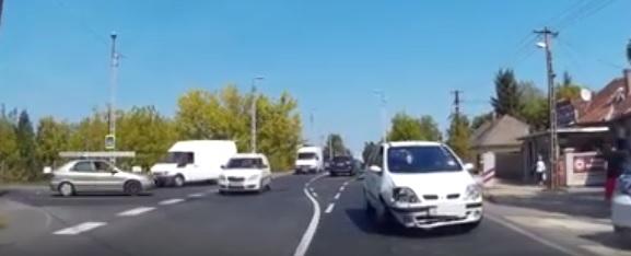 Megtörtént az első baleset a 17. kerületi ferihegyi úti új csomópontban