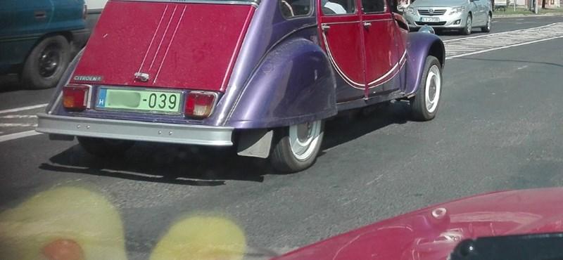 Egy öreg Citroën kacsa is kaphat zöld rendszámot
