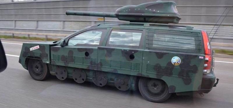 Emlékeztek a tankká alakított Volvóra? Most kiderült róla egy remek hír