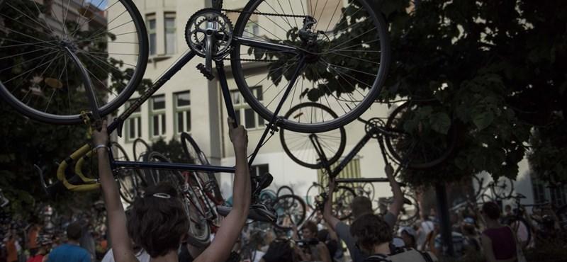 Biciklisávokat kap a Bartók Béla út, megváltozik a forgalom