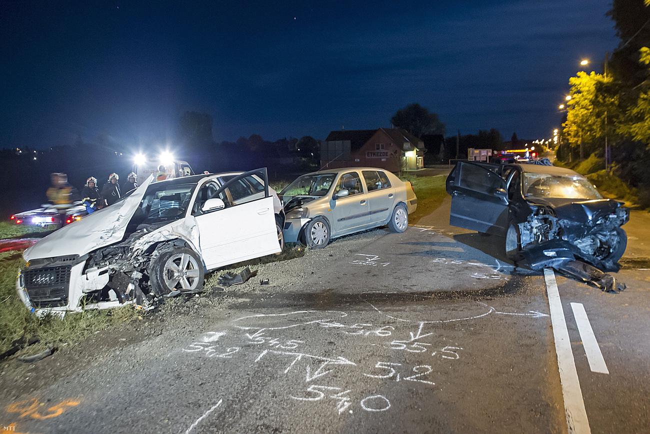 Nyolcan megsérültek egy sülysápi balesetben