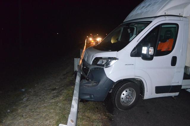 Kisteherautók csattantak kora hajnalban az M1-es autópályán-FOTÓK