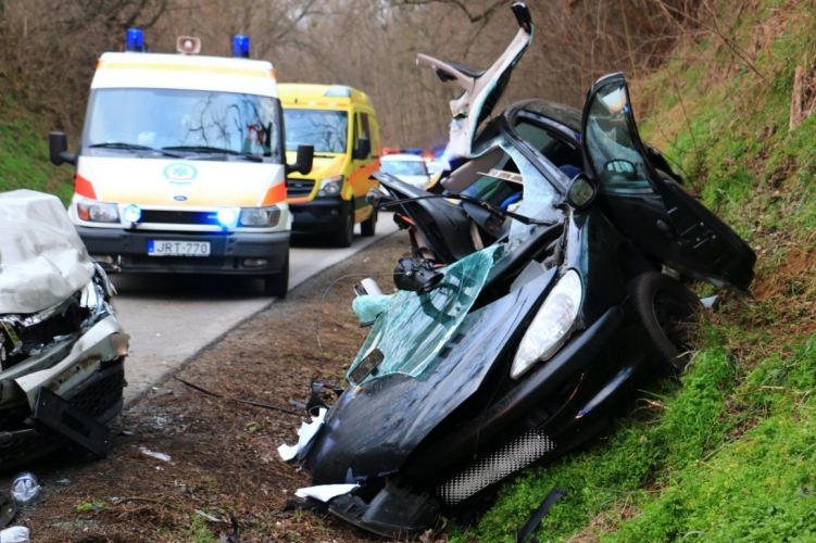 Fotók: Halálos közúti baleset történt Somogy megyében