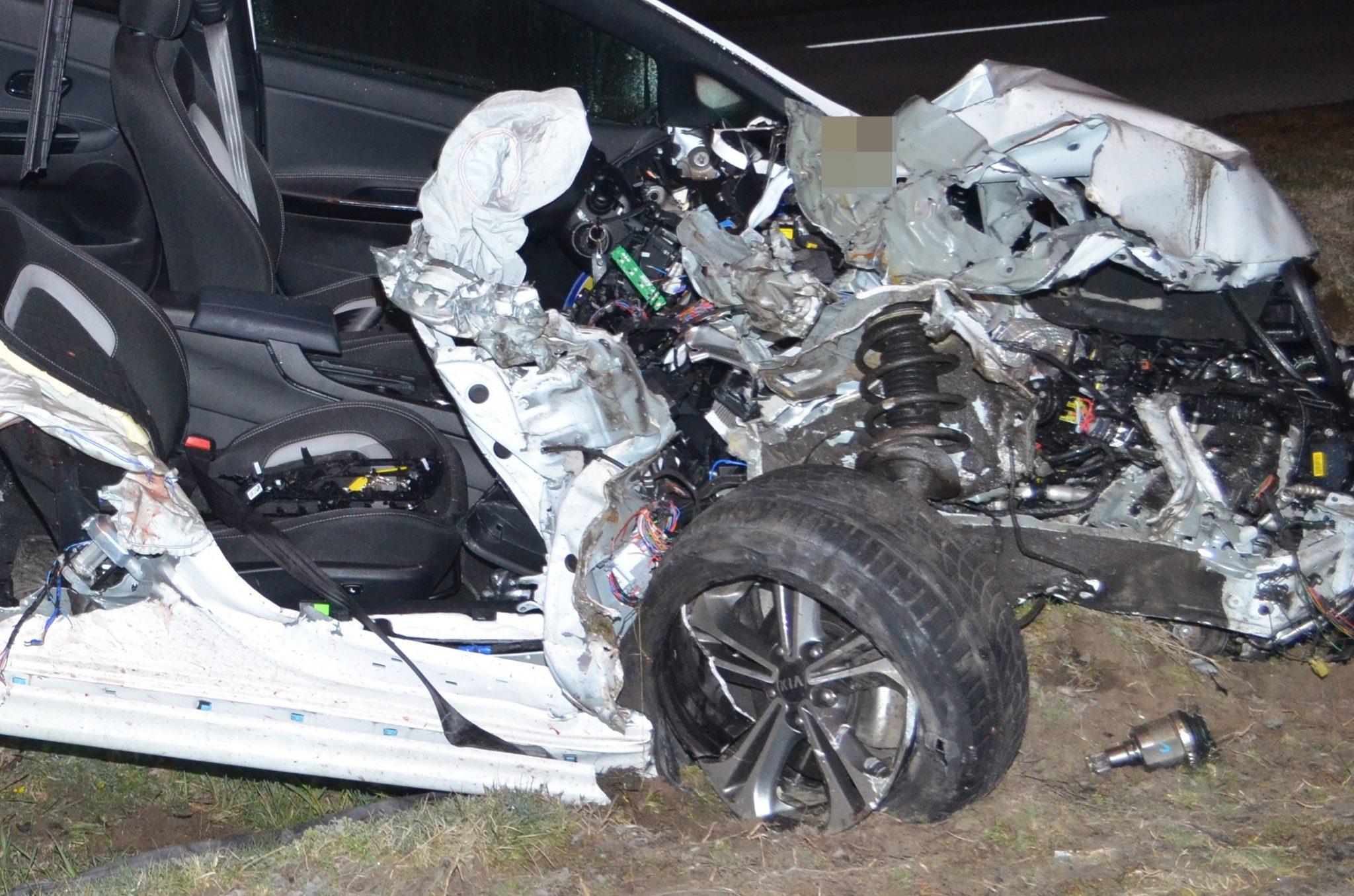 Szomorú fotók érkeztek a szombat éjszaka történt tiszakécskei halálos balesetről
