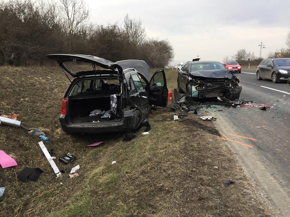 Szemtanúkat keres egy cserbenhagyásos autóbaleset áldozata
