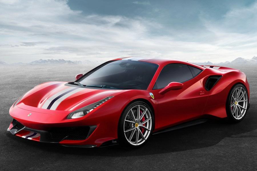 Magyarosan csengő nevet kapott a Ferrari új üdvöskéje a 488 Pista