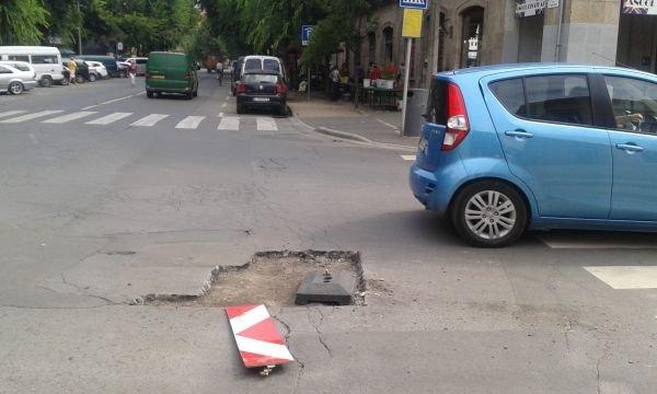 Sok a kátyú az utakon, még nem késő kátyúbiztosítást kötni – figyelmeztetnek a szakértők
