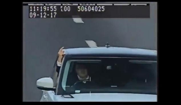 Videó: Bemutatott a traffipaxnak, börtönbe került