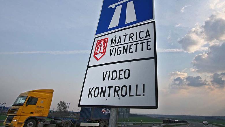 17 és fél millió forintos bírságot kapott egy magyar autós