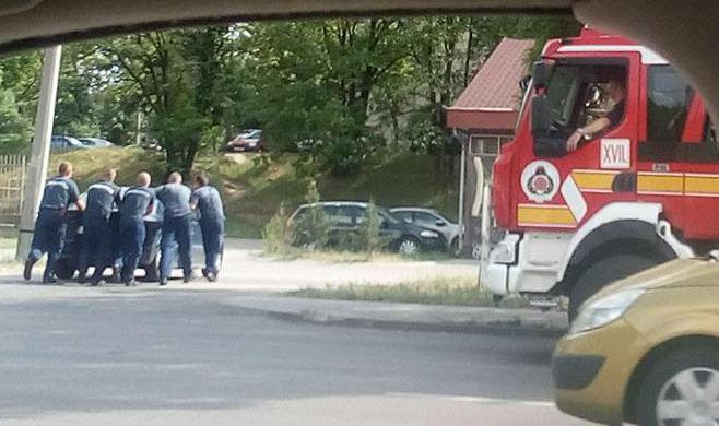 Jó fejek és brutál gyorsak a 17. kerületi tűzoltók!
