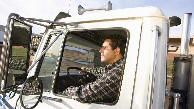 Sofőrhiány van Magyarországon, gondok vannak