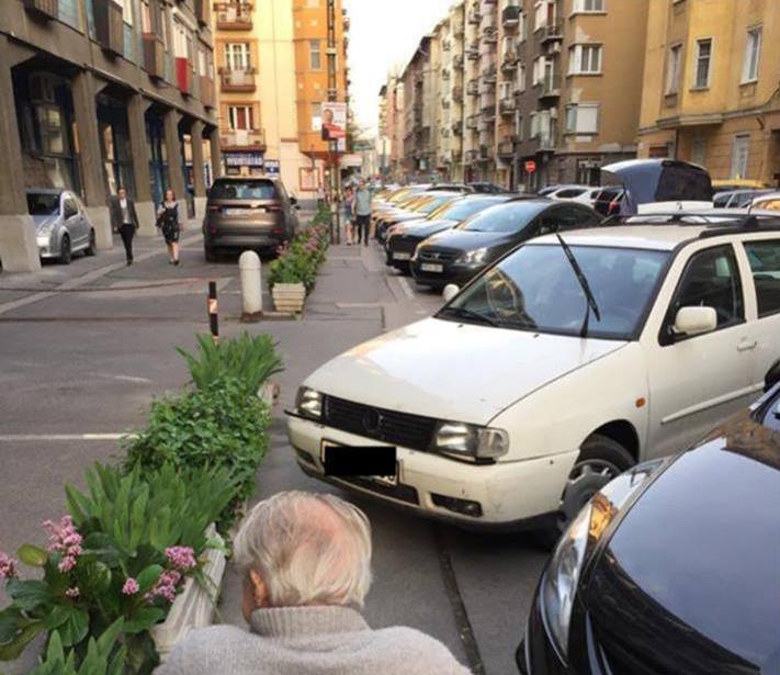 Nézd vissza, ha kihagytad: Elviselhetetlen parkolási- és járdahelyzet Újlipótban