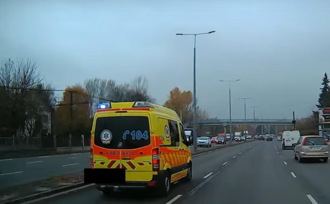 Interjú egy mentősofőrrel, a tűzoltó öngyilkosságának okai kapcsán