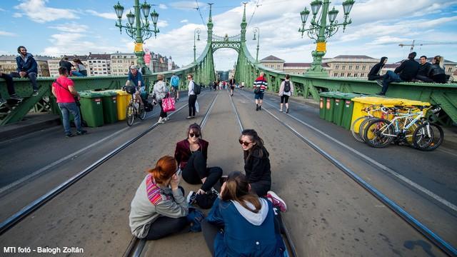 Ismét a gyalogosoké lesz a Szabadság híd a júliusi hétvégéken