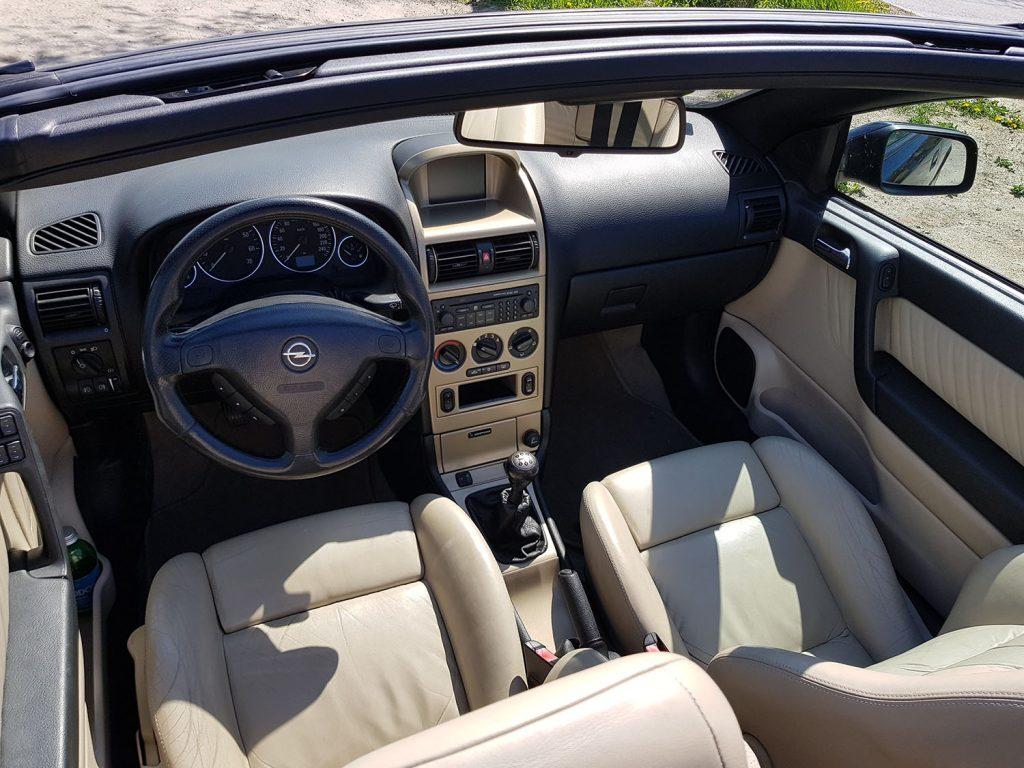VIDEÓ: Úri huncutság, 1 millióért? Létezik! Opel Astra G Cabrio Bertone GigaMegaFull 2002