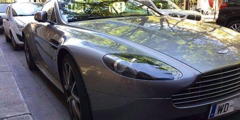 80 milliós luxusautóval közlekedett a Bécsi nagykövet, azonnal elbocsátották
