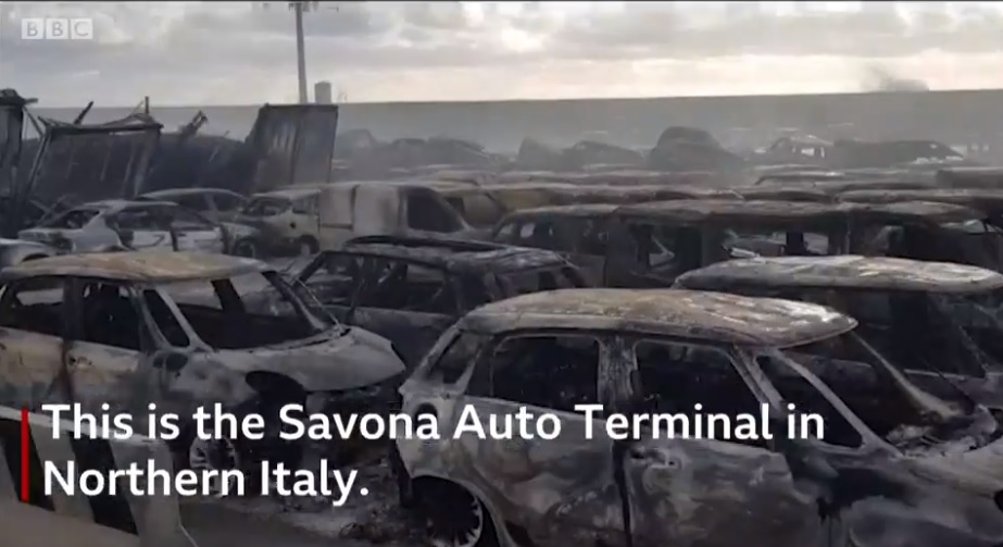 VIDEÓ: Több száz Maserati égett le, a kikötői tűzben