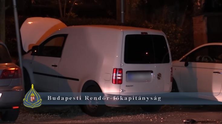 Videó – Épp megpróbáltak ellopni egy autót, mikor a rendőrség tetten érte őket