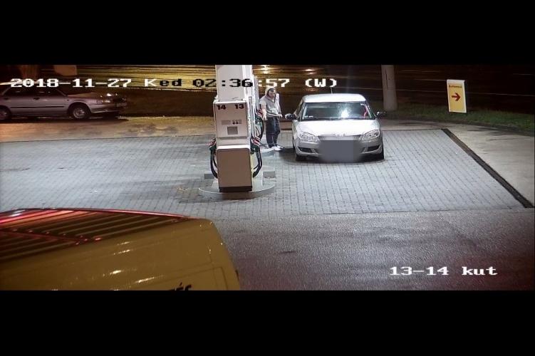 Fotó – Lopott rendszámmal, fizetés nélkül tankolt