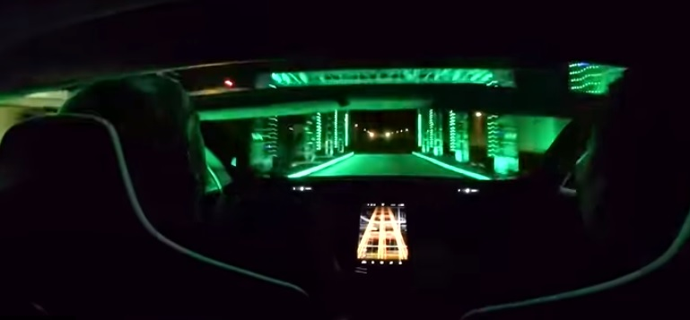 Videó – Nézd meg, hogyan reagálnak az emberek a Tesla Roadster két másodperces százra gyorsulására