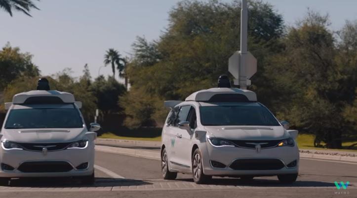 Videó – A Google elindította a világ első robottaxi-szolgáltatását