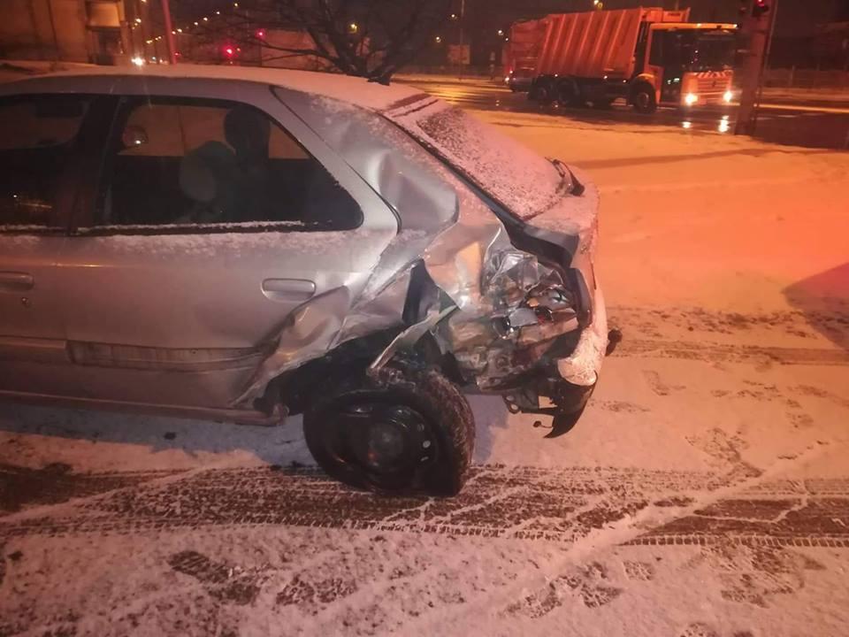 Fotó – Balesetet okozott, majd cserbenhagyta az autóst, szemtanúk jelentkezését várják