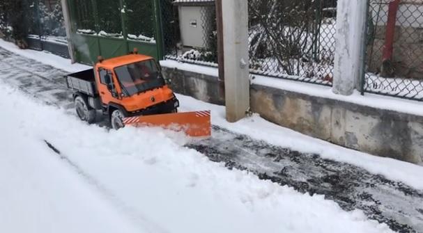 Videó – Hóeltakarítás így? Jöhet!