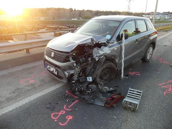 Két autót is összetört a részeg autós, majd továbbhajtott, de ott hagyta a rendszámtábláját a helyszínen