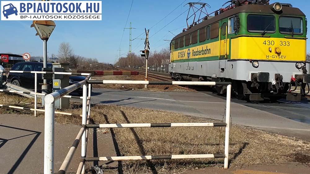 VIDEÓ: Ennyien nem ellenőrzitek, hogy jön-e a vonat