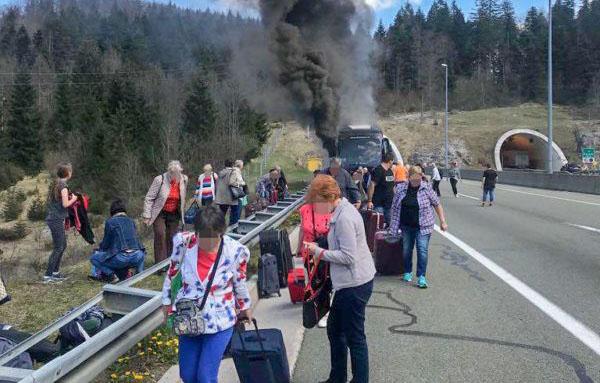 Magyarokat szállító busz égett ki Horvátországban