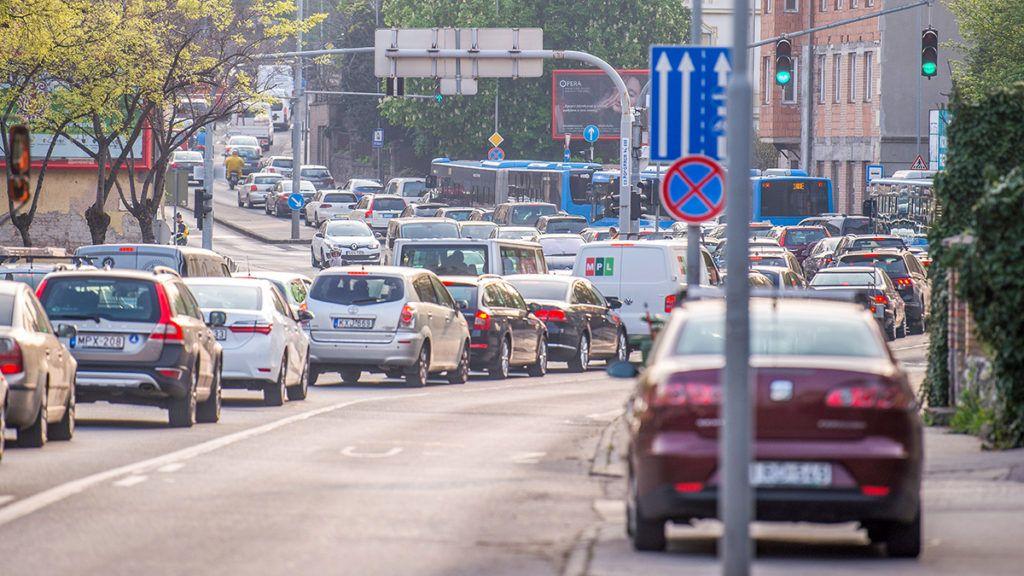 Kormány: Nem támogatjuk a dugódíj bevezetését