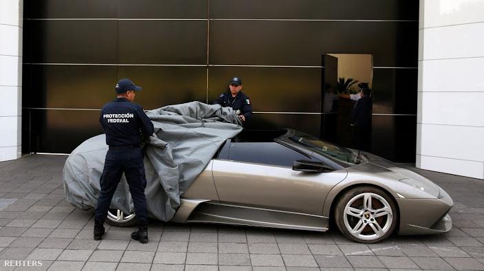 Korrupt gazdagok drága autóit árverezik el, majd az ország szegény vidékeire költik az összeget