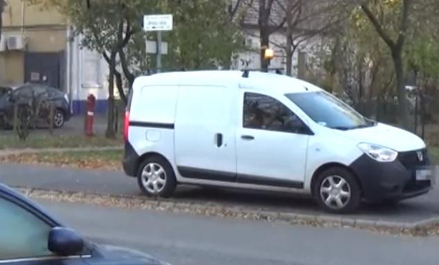 Videó – Egyre több autós szabálytalankodik sárga villogóval az utakon