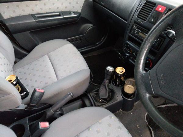 Fotók – Benéztek a rendőrök az ablakán, és rögtön el is vették a kocsiját