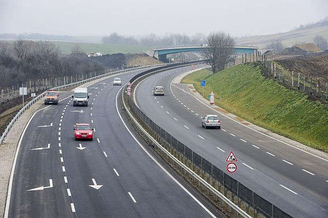82 milliárd forintot biztosít a kormány jövőre közútfejlesztés-tervezésre