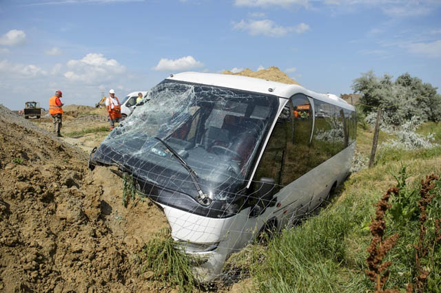 Információk a mai, gyermekeket szállító busz balesetről