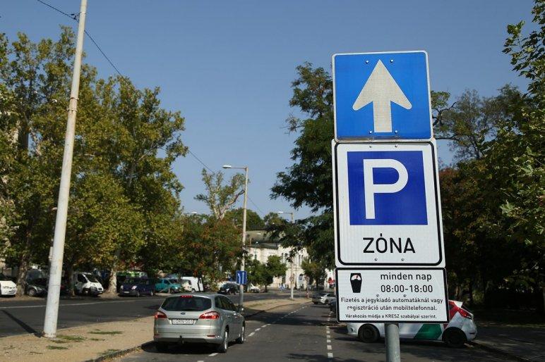 Tarlós: Nem jó, ha 23-féleképpen működik Budapesten a parkolás ügye.