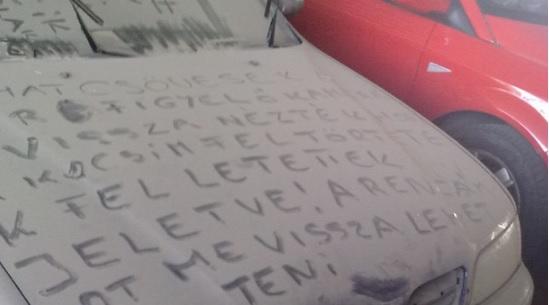 Olyan üzenetet írtak egy magyar autóra, ami a NASA fordítóprogramját is kifektetné