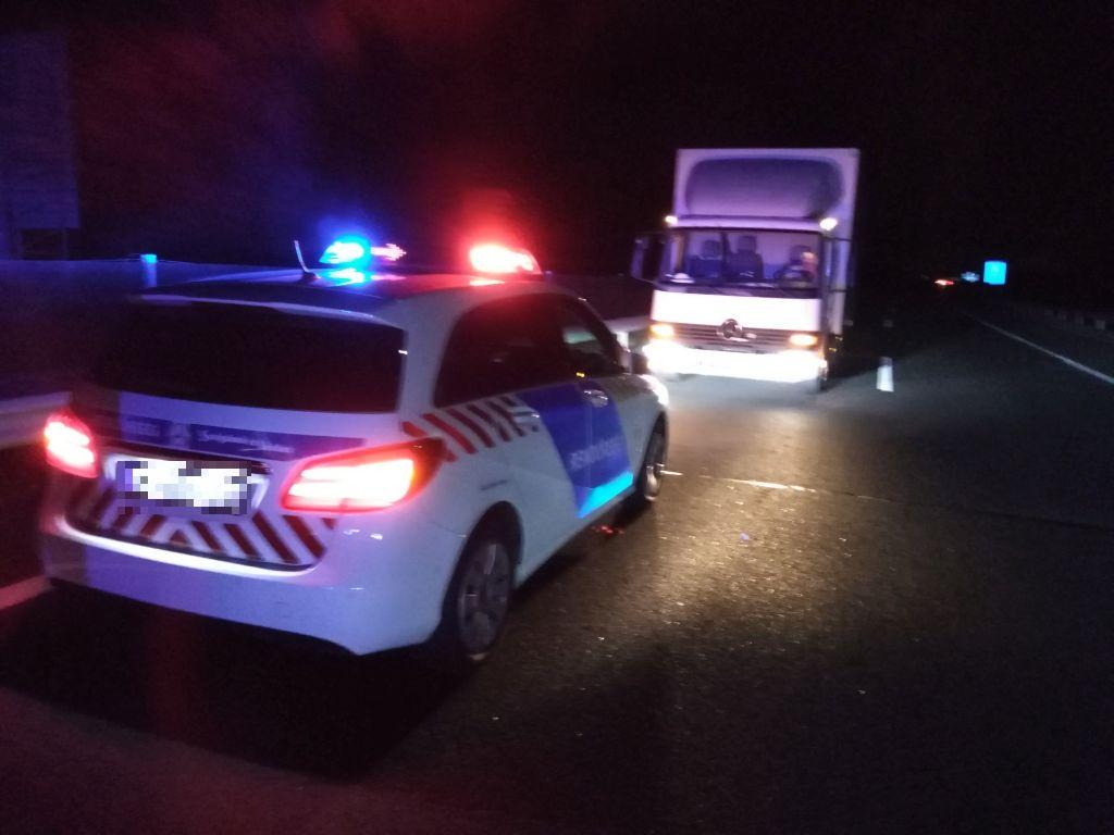 Videó – Bepánikolt teherautós állt keresztbe az M43-as autópályán