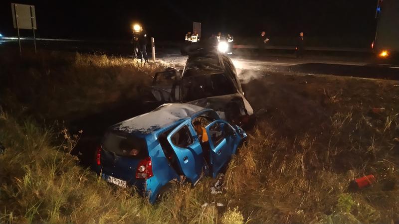 M5-ös: Anya és gyermeke a forgalommal szemben hajtott – 3 ember meghalt, amikor egy másik autóba csapódtak