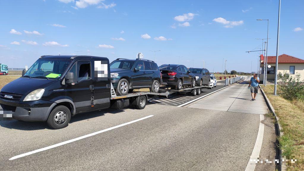 Újabb karavánt fogtak a rendőrök – Az egyik tréler 2260 kilogramm túlsúllyal közlekedett
