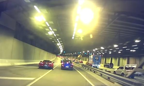 Videó – Attól, hogy valakinek McLarenje van, még lecsaphat rá a karma