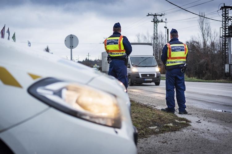 Magyarországon és Európában is közel egy hetes ellenőrzés sorozatra számíthatnak a busz- és teherautó sofőrök