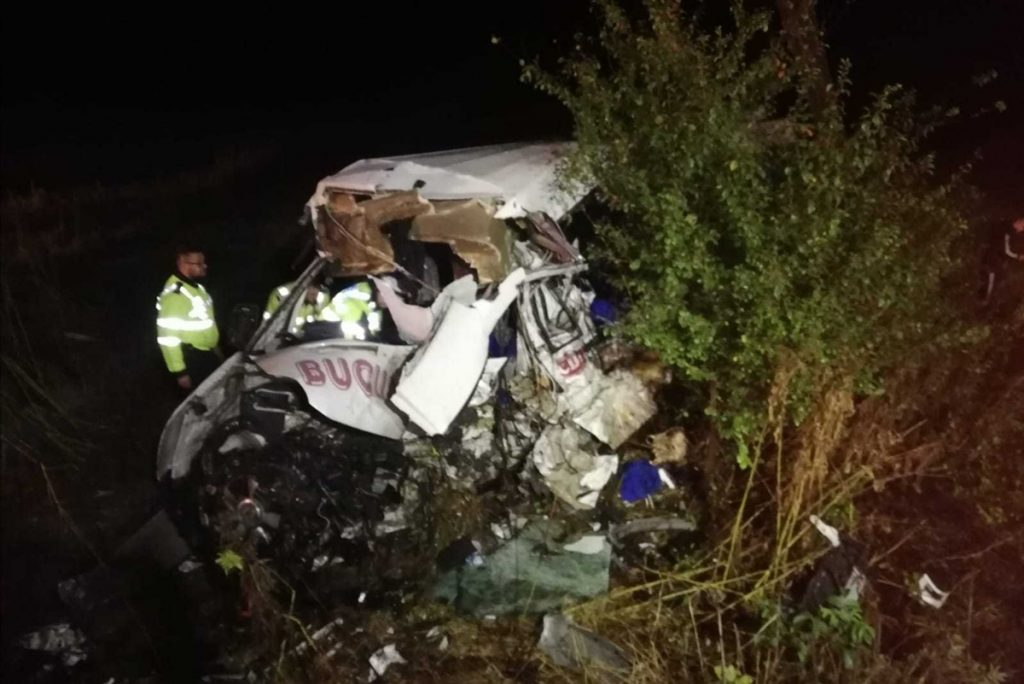 Fotók – Szörnyű baleset Romániában – Kamion és busz ütközött, 10 ember meghalt, heten megsérültek